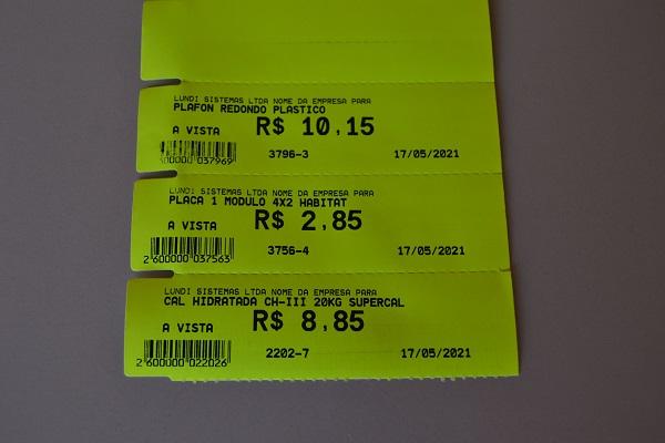 Etiqueta em papel cartão 170 gramas, fluorescente. Rolo com 35 metros contem 1167 etiquetas. Tamanho  da etiqueta: 110 mm x 30 mm
